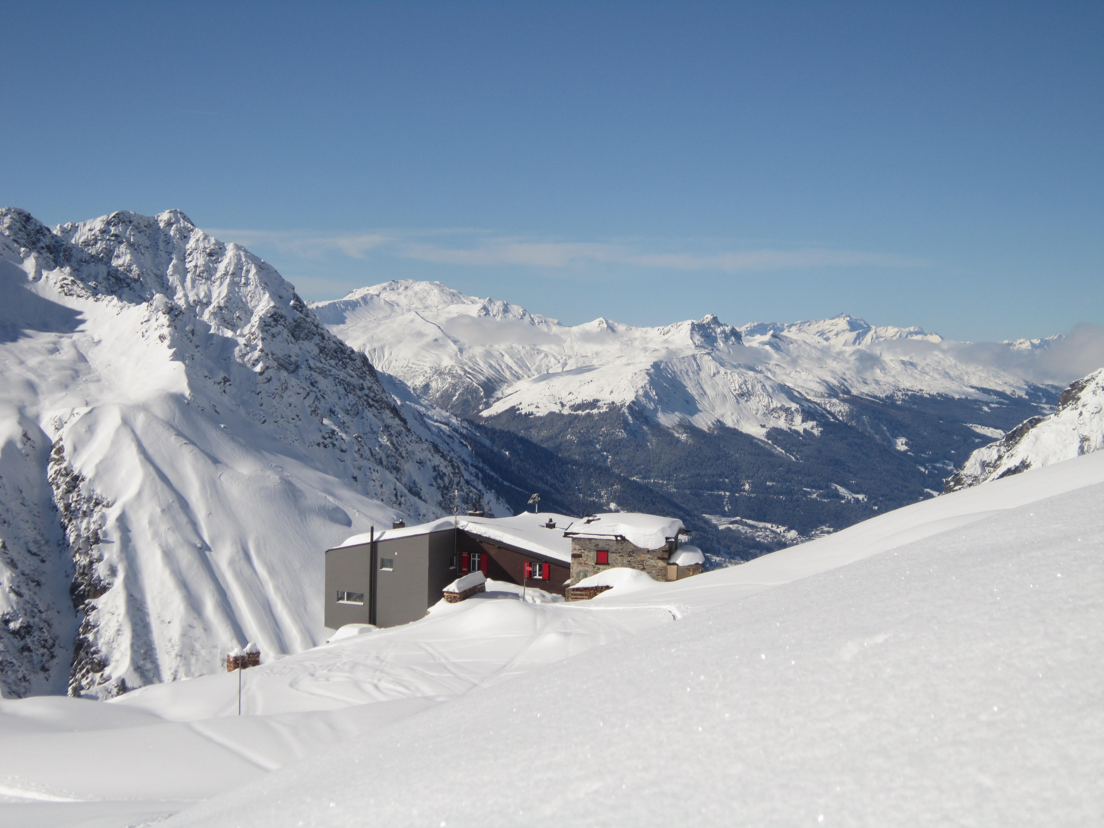 Grialetschhuette-winter